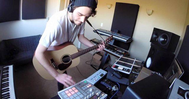 画像: ギター、MIDIコントローラー、ドラムパッドなどを一回で操るPierce Fultonの最新情報にせまる