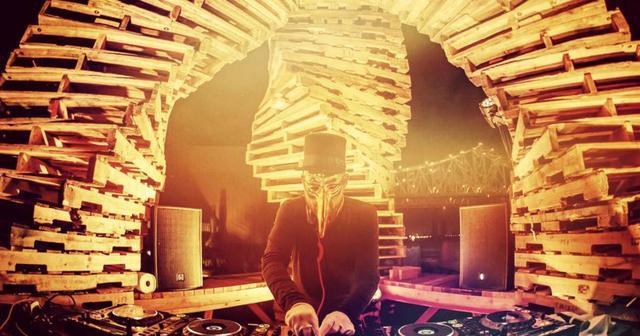 画像: CORONA SUNSET MUSIC FESTIVAL出演決定のClaptone、1時間ミックスを披露