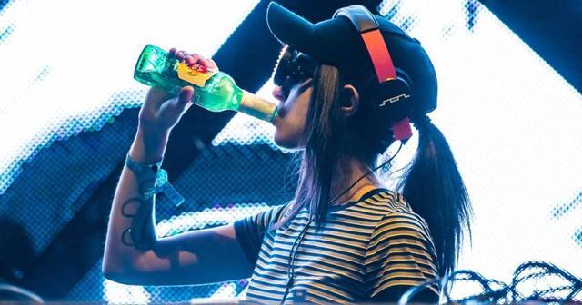画像: ULTRA JAPANにも出演する大注目フィーメールDJ REZZが待望のデビューアルバムを発表!