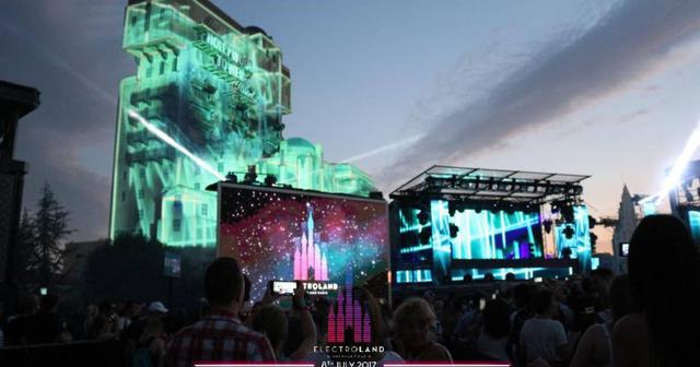 画像: 夢の世界が現実に!パリのディスニーランドで開催されたEDMフェスの模様を振り返る!