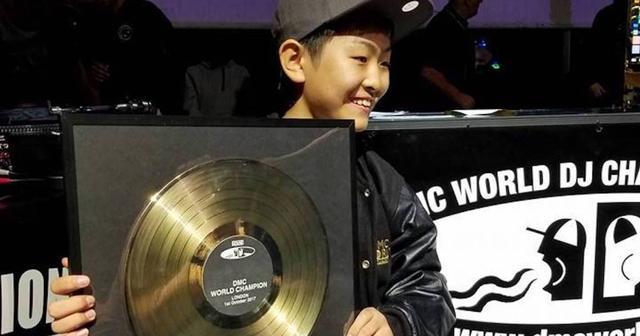 画像: 【DMC World DJ Championships】史上最年少記録を塗り替え、12歳のDJ RENAが世界の頂点に!