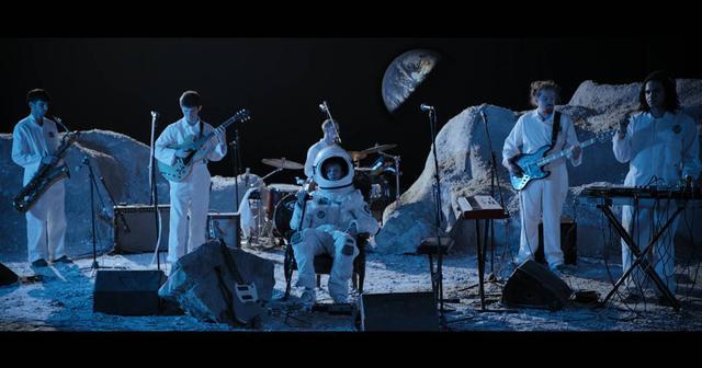 画像: 若き孤高の天才、King Krule(キング・クルール)が 月面でライブを披露!?
