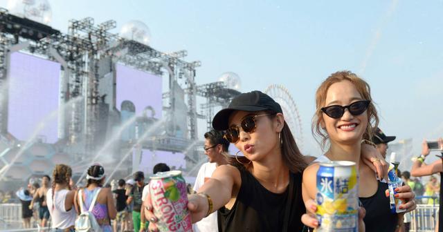 画像: 【S2O JAPAN 第一日目レポート】猛暑のお台場で水飛沫と音楽を浴びつつキーン!と冷えた氷結(R)でカンパイ!