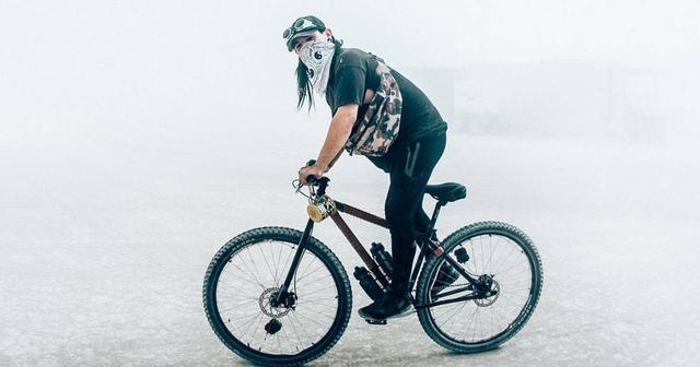 画像: Skrillex がレアな B2B を Burning Man(バーニングマン)で披露!その相手とは!?