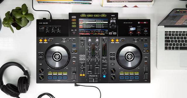 画像: さらに現場仕様になった一体型DJシステム【XDJ-RR】の3つの魅力
