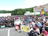 画像: ロードスターを囲んで集合写真! mzracing.jp