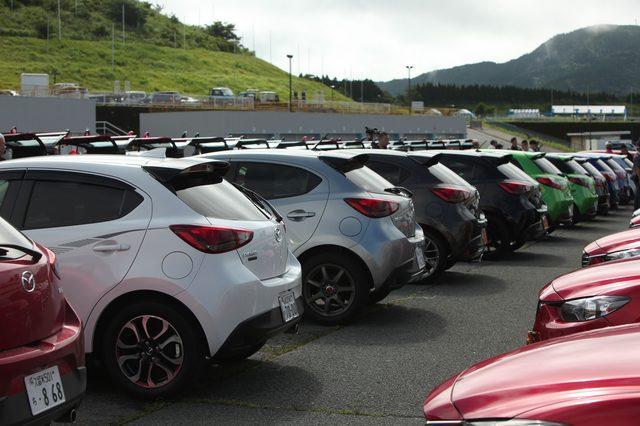 画像7: 200台を超えるマツダ車が結集!マツダファン九州ミーティング 2015 in AUTOPOLIS