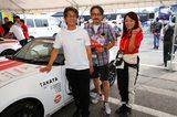 画像: スポーツカー主査連合チーム マツダの山本さん、マツダ人馬一体チームの藤原さんと
