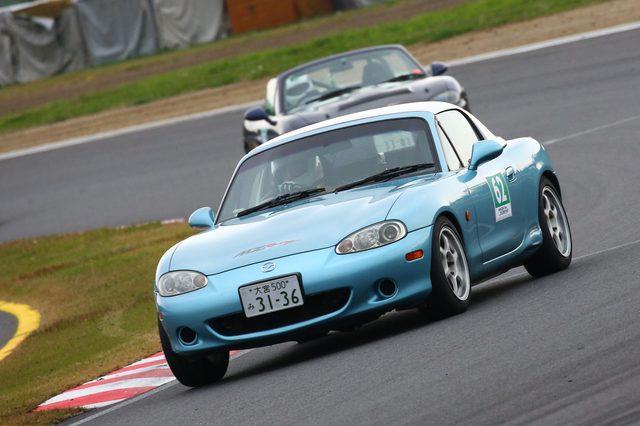 画像8: 「ナンバー付のマツダ車で、150分間にどれだけサーキットを周回できるか」