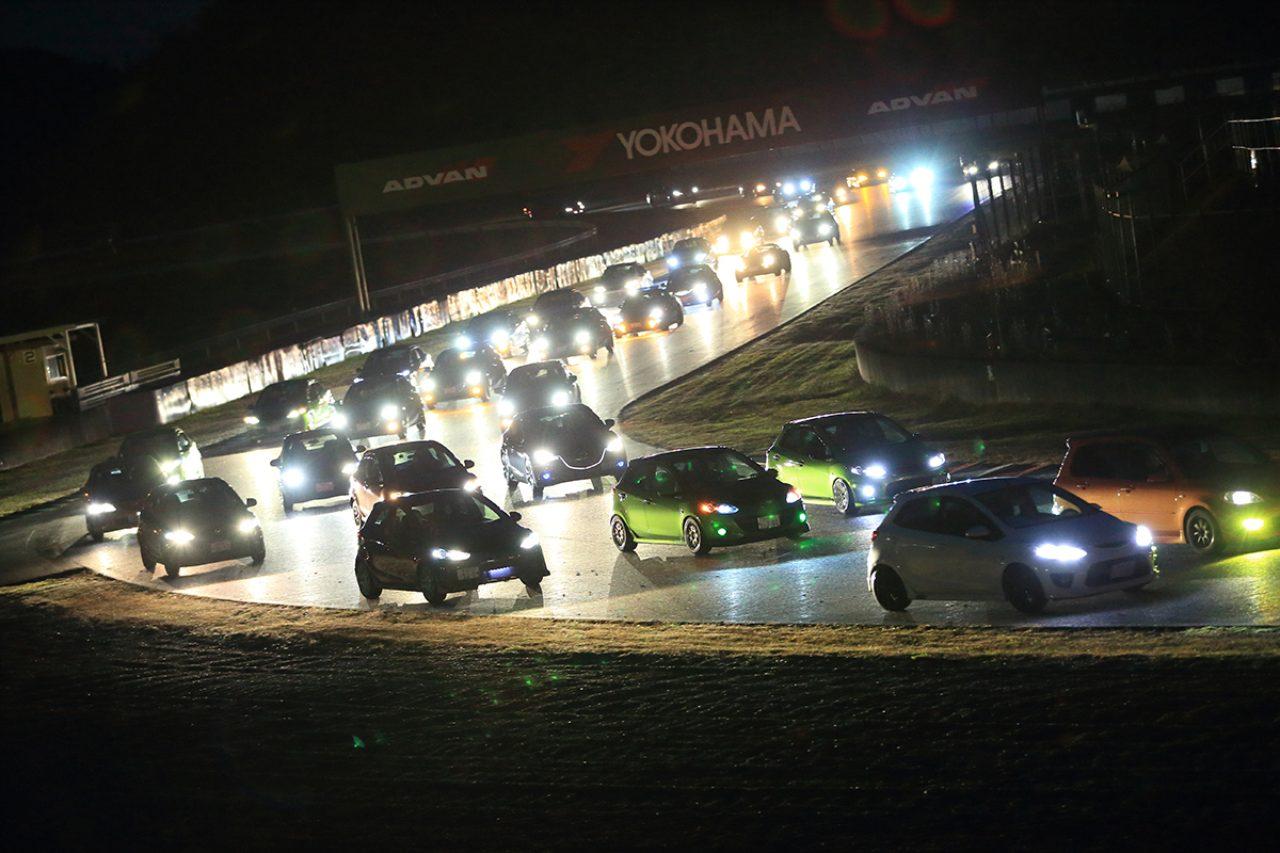 画像: 約300台のマツダ車がコースを埋め尽くす、オールマツダ・サーキットパレードラン