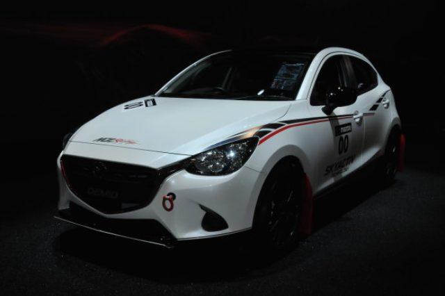 画像: 【東京オートサロン2016】マツダ デミオ 15MB Racing Spec 公開 - Autoblog 日本版