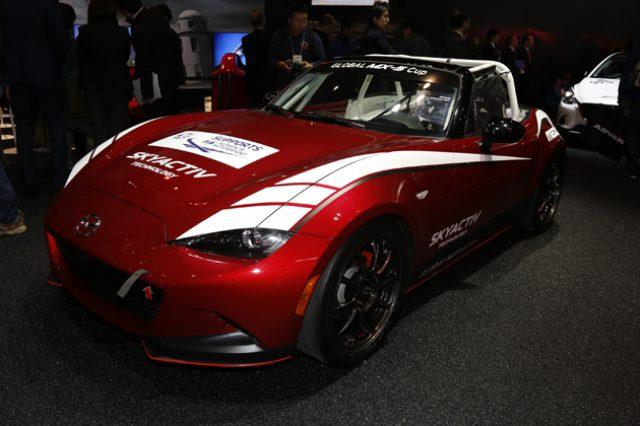 画像: ロードスターのレーシング仕様を展示!話題のロータリーコンセプト「RX-VISON」も再び【TAS2016】
