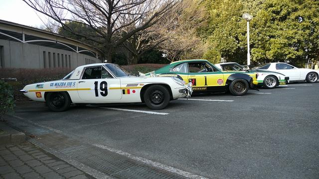 画像: マラソン・ド・ラ・ルート仕様のコスモスポーツに片山レーシングカラーのRX-3、1979年デイトナ24時間レース IMSA GT-Uクラス優勝のRX-7