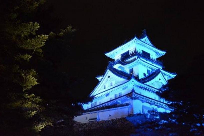 画像: 大阪城でも www.facebook.com