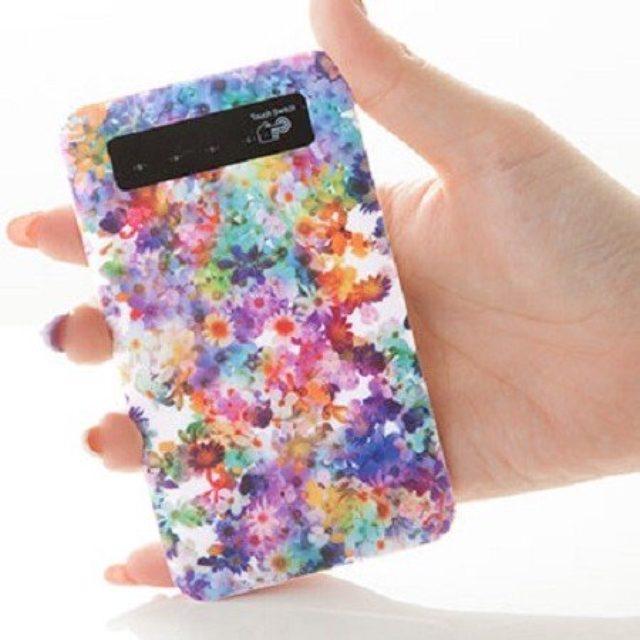 画像: 機能とおしゃれさを兼ね備えたphocaseのモバイルバッテリーが可愛い♡