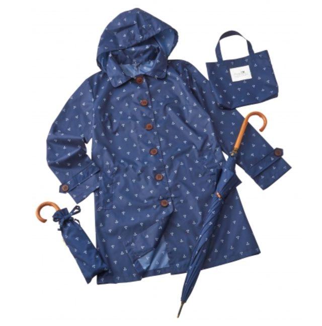 画像: アンカー柄レインコート、傘各種 2,900円~ www.plazastyle.com