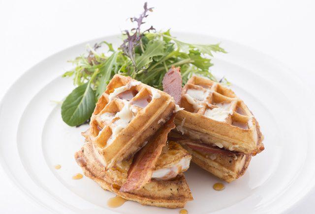 """画像: """"NYの朝食の女王""""「サラベス」に甘くない食事系ワッフルが初登場。"""