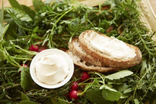 画像: 『チーズのような豆乳クリーム大豆舞珠(まめまーじゅ)』 動物由来原料不使用の大豆でできたクリームチーズ様素材。厳選した乳酸菌を用いて独自の発酵技術を駆使し、芳醇な発酵風味とコクが特徴。