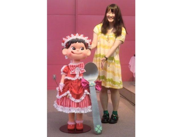 画像: 【ペコちゃん展×モード学園】モチーフはイチゴのショートケーキ!大賞に輝いたのは、スウィートなデザインのこのドレス