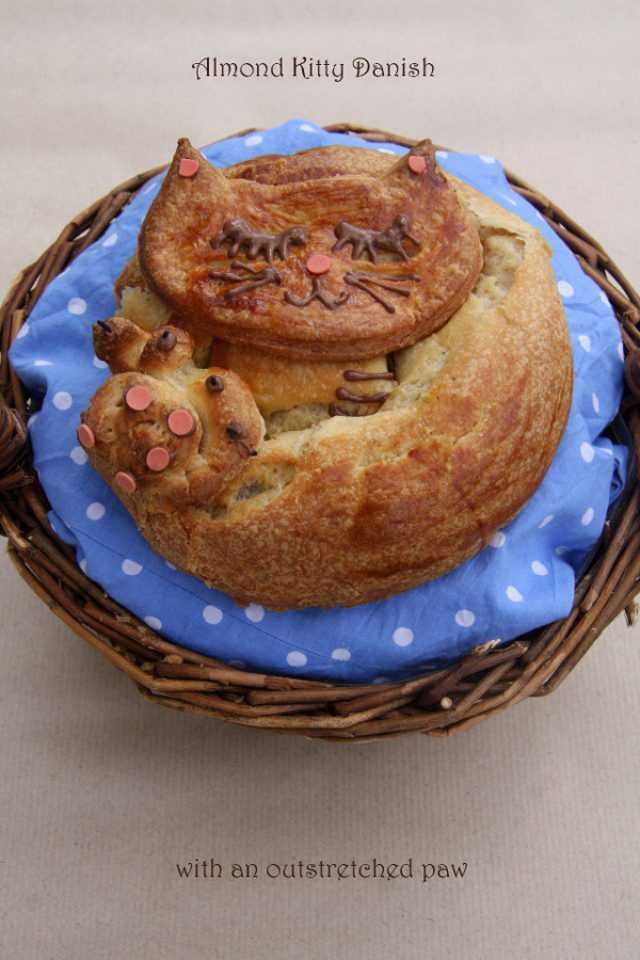 """画像: 食べられるニャンコ!?かわいすぎる""""猫パン""""が話題に"""