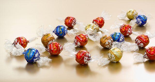 画像: リンツがスイスの建国記念日を祝して、今年も恒例のチョコレートのサマーラッキーバッグを限定販売!