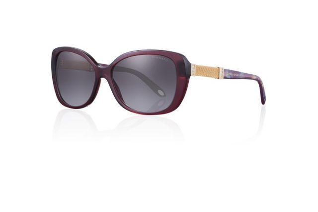 画像: サマセットを使った、ティファニーの新作サングラスと眼鏡フレームコレクション。