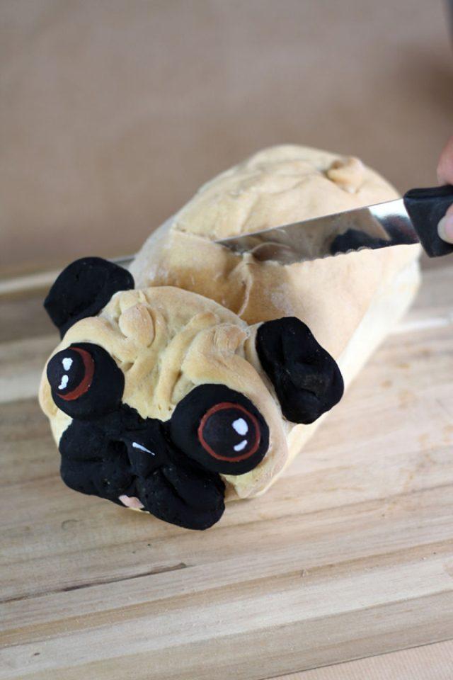 """画像: 猫パンの次はこれ!犬好き必見のかわいすぎる""""パグ・パン""""が話題に"""