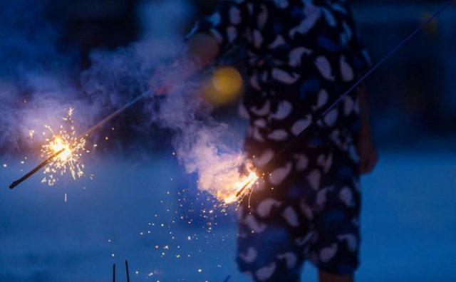 画像: 可憐な手持ち花火を楽しむ「小さな花火大会」が今年も開催!
