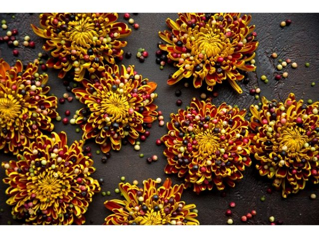 画像: ニコライ・バーグマンが魅せる日本伝統工芸とフラワーアートの融合!展覧会「伝統花伝」開催