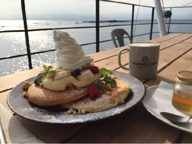 画像: シルバーウィーク限定の海と山を感じながら食べる「富士山」がのったパンケーキって知ってる?!