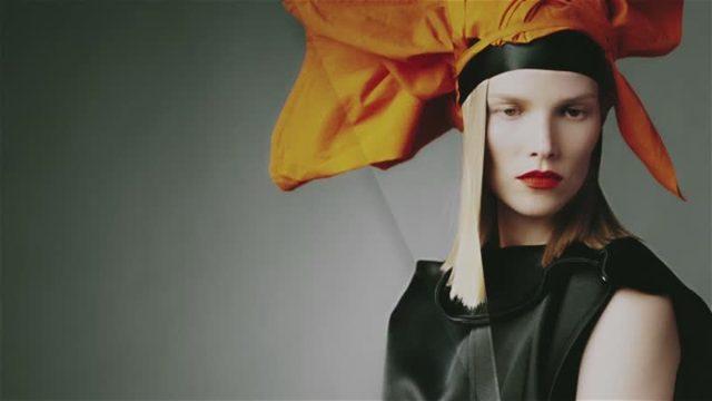 画像: マリオ・テスティーノが撮る日本の「構築美」。_Vogue Japan