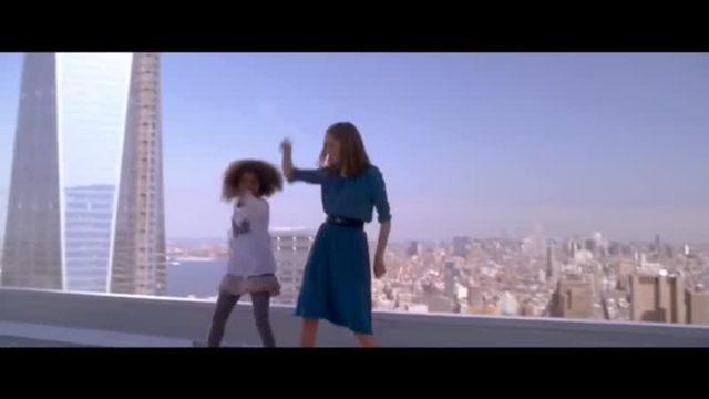 画像: Teen VOGUEのセレブ情報2014-「アニー」のクワベンジャネ・ウォレス、ミュージカルの撮影について語る