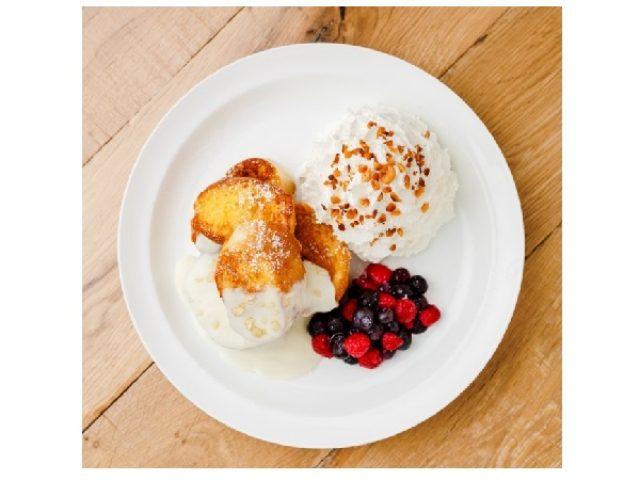 画像: Eggs 'n Thingsに濃厚なマカデミアの香りと秋を感じる新フレンチトーストが登場