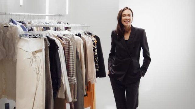 画像: Season 1-今シーズン流行のフリンジを取り入れたアルチュザラのスカートの2通りの着こなし