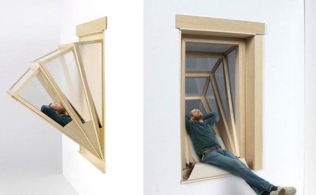 """画像: 空を見上げてリラックス!部屋にいながら外に出られる""""出窓""""が秀逸"""