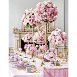 画像: 幸せあふれる、世界一のウエディングテーブル。【ローズ編】──1000本のバラが彩るロマンティックな時間
