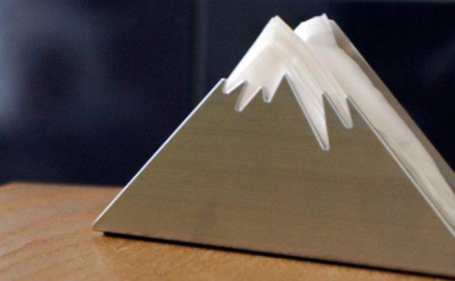 画像: これは面白い!三角形で富士山を表現したペーパーホルダーが秀逸