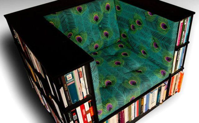 画像: まるで座る図書館!本棚と一体になった椅子が素敵