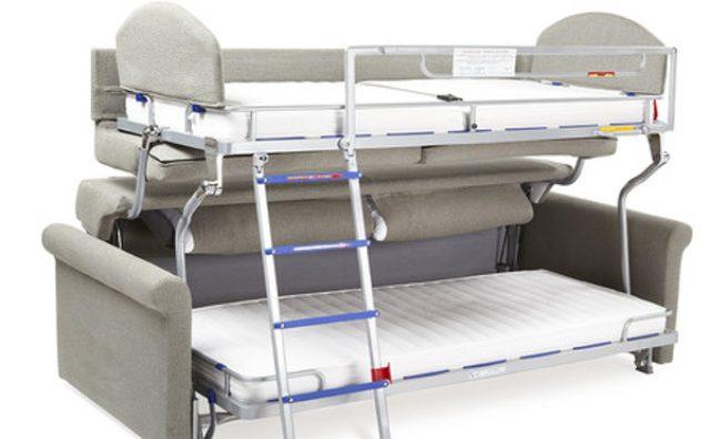 画像: 狭いお部屋を有効活用!二段ベッドになるソファが便利そう