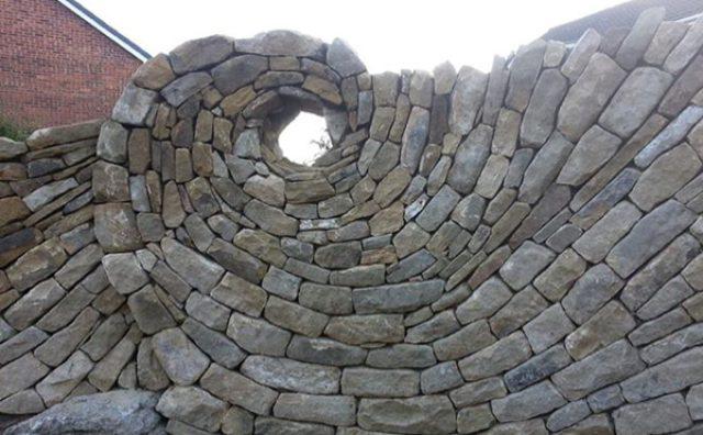 画像: もしも石に命が宿ったら?躍動感あふれる石積みアートがすごい