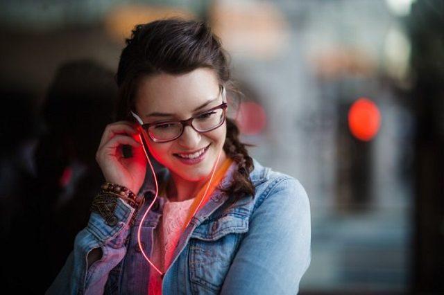 画像: あの光るイヤフォン『Glow』が商品化!デザインのリニューアルでより美しく♪