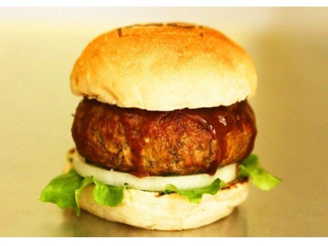 画像: 肉汁ブシャー!総重量400g!東京最大級のグルメバーガーが期間限定で登場!!