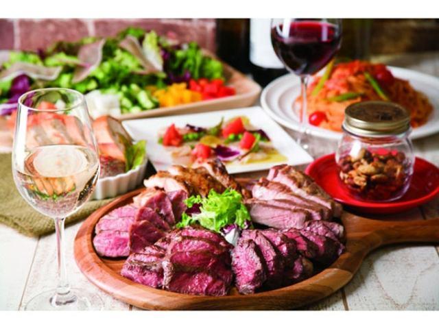 画像: 肉料理とワインを豪快に味わう!アメリカンファクトリーさながらのカジュアルな肉バル「ミートハウス 炉区」が秋葉原にオープン
