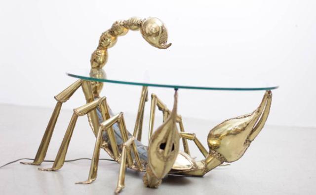 画像: サソリがテーブルの下に!?時を超えて個性を放つアートな家具に注目☆