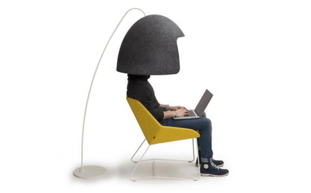 画像: オフィスに欲しいかも!?一瞬で外の世界をシャットアウトできる北欧のヘルメット風家具