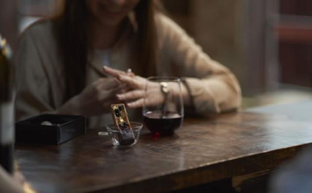 画像: アジア初!ワインやビールが楽しめる「黒いスタバ」が丸の内にオープン♪