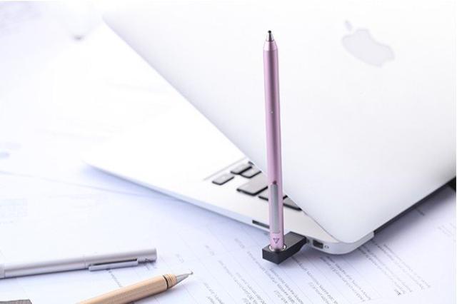 """画像: この""""さくら色""""は可愛すぎる♡まるでペンのような書き心地のスタイラスペンに春限定色が登場!"""