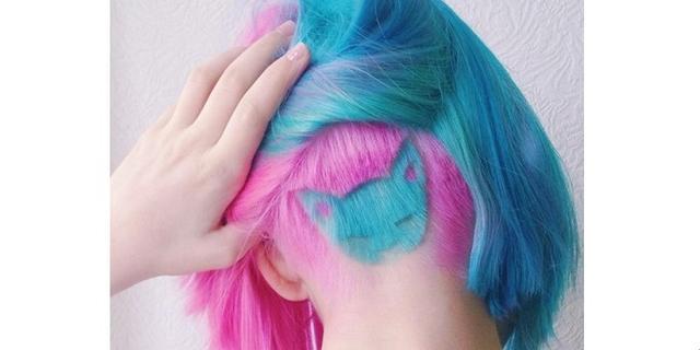 画像: 後ろ髪をかきあげると現れる!ポップな「眠り猫」がカワイすぎ