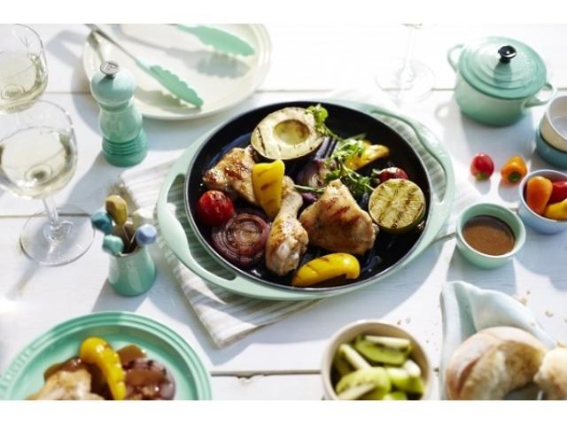 画像: 【ル・クルーゼ】アウトドア料理をオシャレに♪ グリル・ロンドの限定セットでテーブルを華やかコーディネート