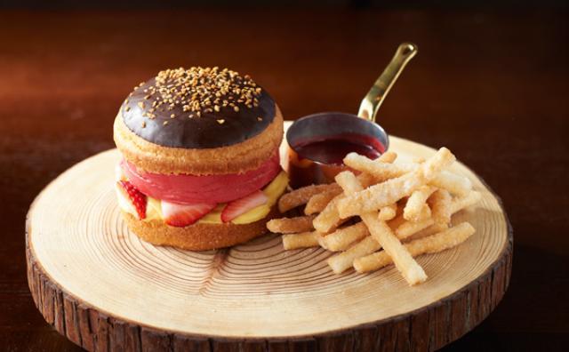 画像: ハンバーガーなのに甘い!?新感覚「アイスバーガー」がグランドハイアットに登場☆